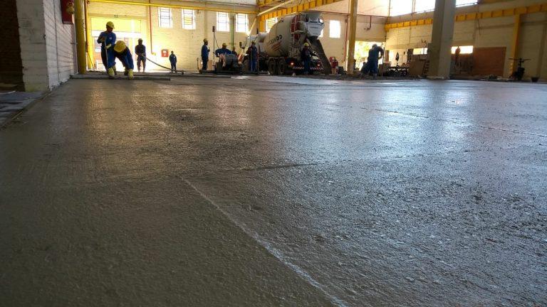 A tecnologia do equipamento Laser Screed foi utilizada para trazer mais qualidade ao piso